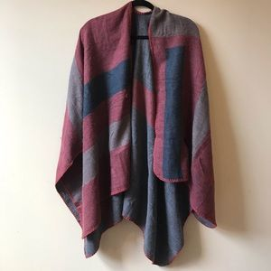 BB Dakota Poncho- NWOT